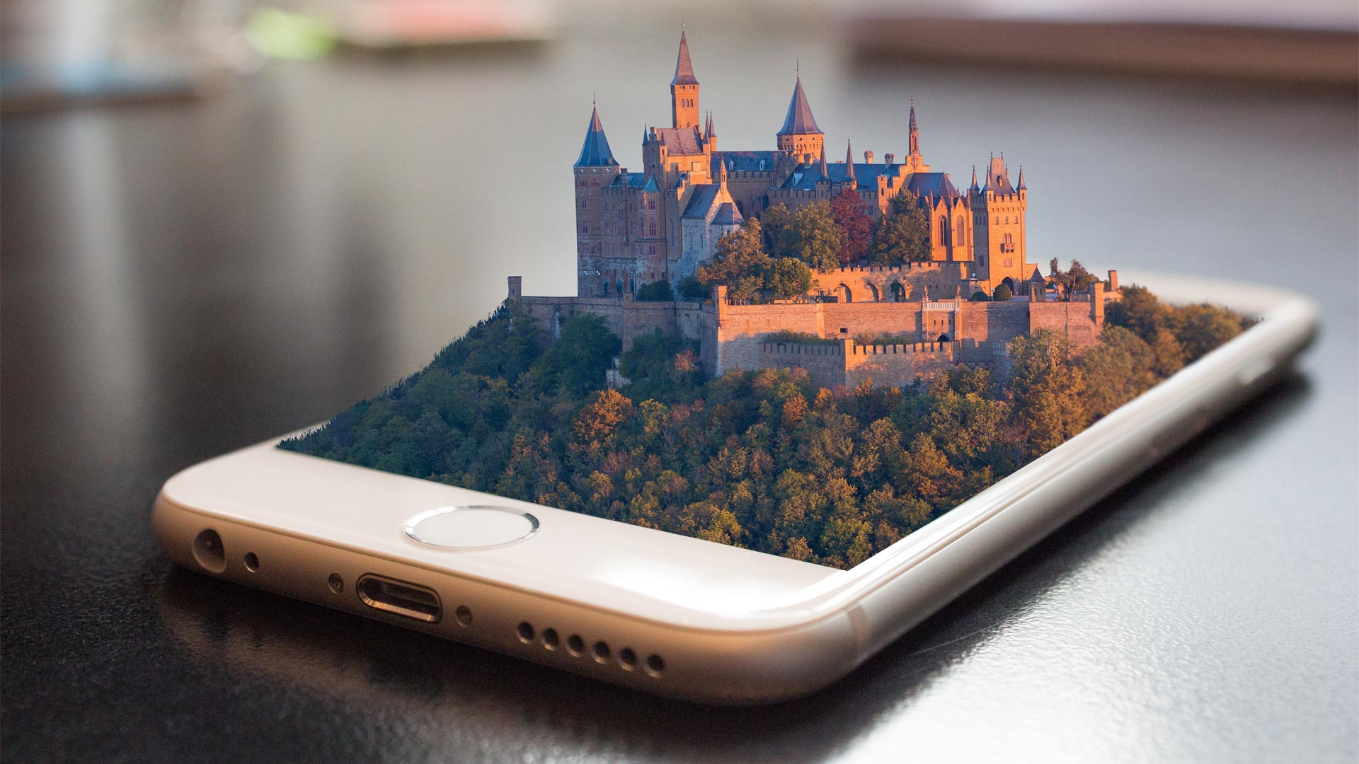 4D Castle On Phone Screen