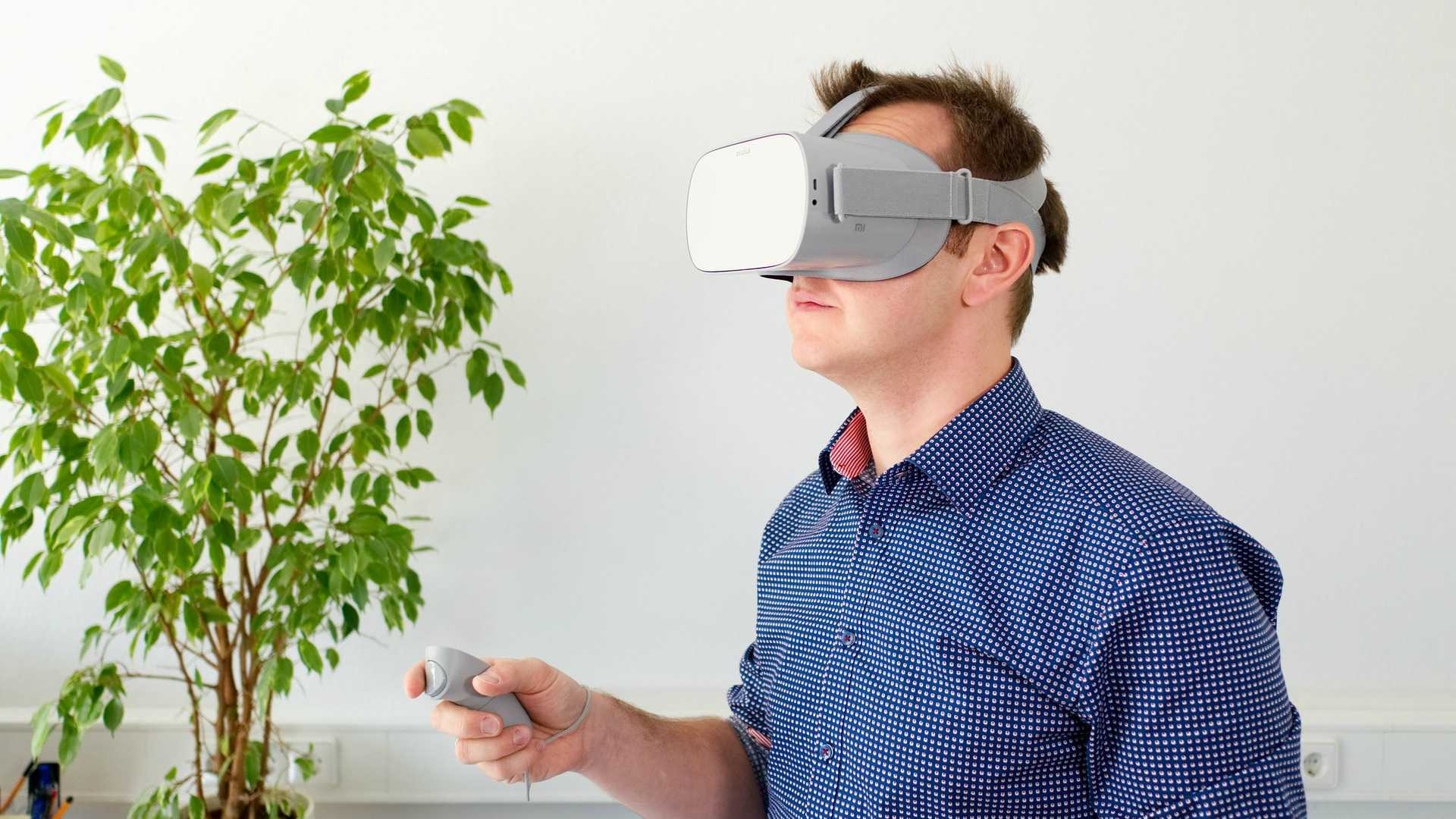 Pros and Cons of Using Extended Reality in Employee Training